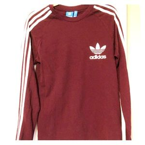 Adidas: pullover sweatshirt